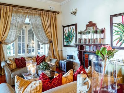gallery-goble-palms-guest-lodge-urban-retreat-accommodation-main-building-contemporary-colonial-comfort-bed-breakfast-paintings-upper-morningside-kzn