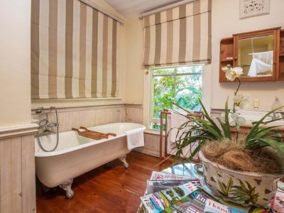 gallery-goble-palms-guest-lodge-urban-retreat-accommodation-main-building-contemporary-colonial-comfort-chic-lodging-pool-patios-upper-morningside-kzn